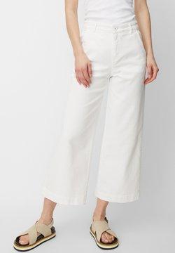Marc O'Polo - VALBO  - Flared Jeans - white denim wash