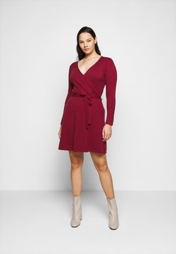 Vero Moda Curve - VMKARISARA WRAP DRESS - Strickkleid - cabernet