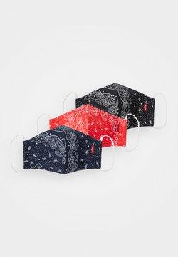 Levi's® - REUSABLE BANDANA FACE COVERING UNISEX 3 PACK - Maschera in tessuto - blue/black/red