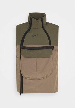 Nike Sportswear - TECH PACK VEST - Weste - olive/dark green