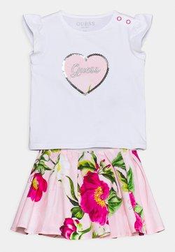Guess - SKIRT SET - T-Shirt print - true white