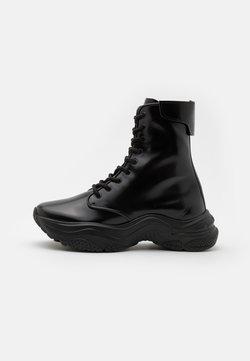 MISBHV - AMPHIBIAN TRAINERS - Sneakers hoog - black/white