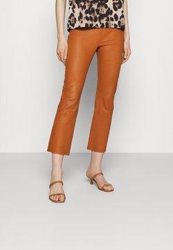 InWear - CEDAR PANT - Pantalon en cuir - honey