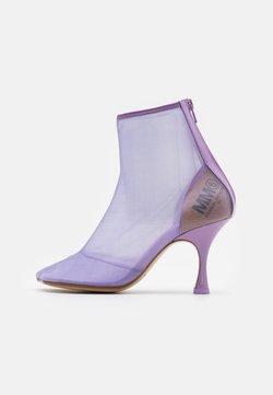 MM6 Maison Margiela - High Heel Stiefelette - lavender frost