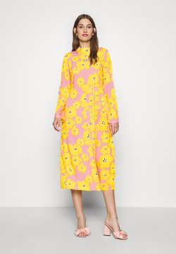 Never Fully Dressed - FLORAL SWEDISH MIDI - Cocktailjurk - pink/yellow