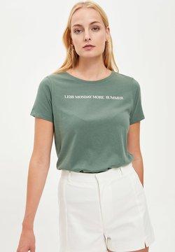 DeFacto - T-shirt z nadrukiem - green