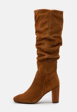 Vero Moda - VMBIA BOOT - Stiefel - cognac