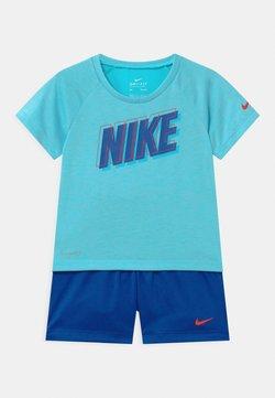 Nike Sportswear - RAGLAN SET  - T-shirt print - indigo force