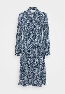 Moss Copenhagen - AMAYA RAYE DRESS - Blusenkleid - blue