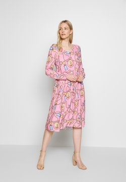 Rich & Royal - DRESS WITH PRINT - Hverdagskjoler - spring pink