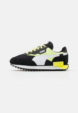 Puma - FUTURE RIDER NEON PLAY UNISEX - Sneaker low - black/fizzy yellow