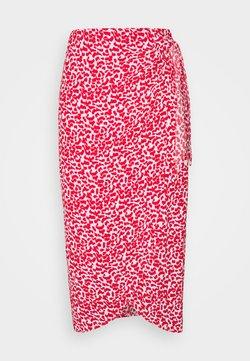 Marks & Spencer London - PRINT WRAP MIDI - Blyantnederdel / pencil skirts - red