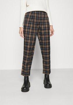 NA-KD - CHECKERED SUIT PANTS - Spodnie materiałowe - blue check
