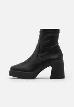 Rubi Shoes by Cotton On - ZAZA PLATFORM BOOT - Enkellaarsjes met plateauzool - black