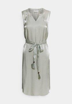 Cream - SLEEVELESS DRESS - Vestido de cóctel - desert sage