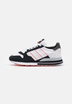 adidas Originals - ZX 500 UNISEX - Sneaker low - footwear white/grey/core black