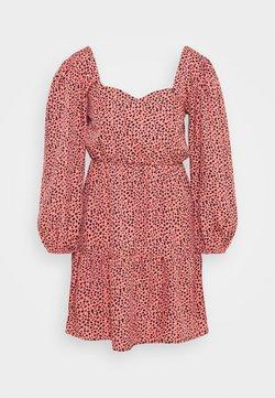 New Look Petite - SWEETHEART NECK TIER MINI - Vestido informal - pink