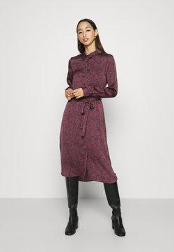 Vero Moda - VMBILLI BELT DRESS - Korte jurk - burnt russet