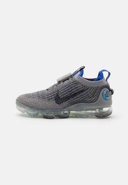 Nike Sportswear - AIR VAPORMAX 2020 FK - Matalavartiset tennarit - particle grey/dark obsidian/racer blue