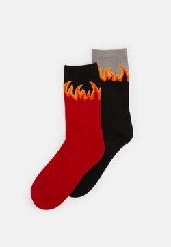 Urban Classics - LONG FLAME SOCKS 2 PACK - Socken - red/black