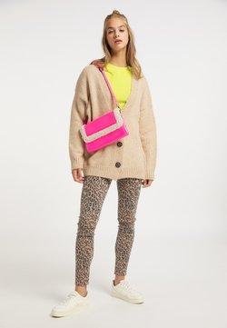 myMo - Pikkulaukku - neon pink