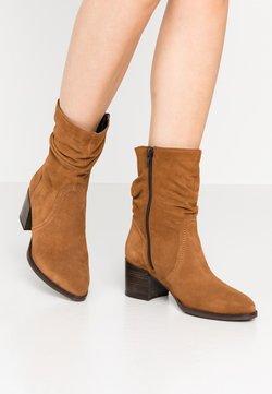 Tamaris - Korte laarzen - muscat