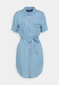 Vero Moda - VMSILJA SHORT SHIRT DRESS - Spijkerjurk - light blue denim