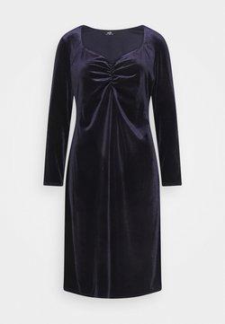 Wallis - SWEETHEART VELVET DRESS - Sukienka letnia - purple
