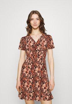 Pieces - PCEMANUELLE DRESS - Jerseykleid - duna/black