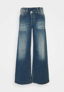 Herrlicher - MÄZE FLARED TOUCH - Jeans bootcut - mariana blue