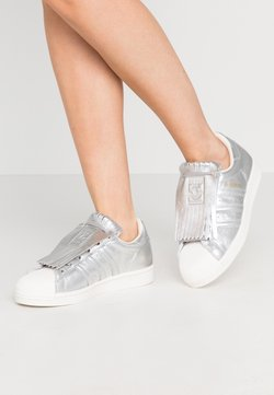 adidas Originals - SUPERSTAR  - Sneaker low - silver metallic/clear white