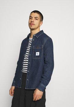 Calvin Klein Jeans - SKATE  - Camisa - denim medium
