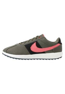 Nike Golf - CORTEZ G NRG - Golfschoenen - twilight marsh/magic ember black