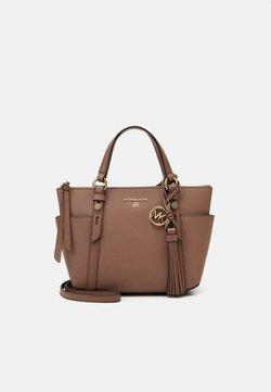MICHAEL Michael Kors - NOMADMD TOTE - Shopping bag - dark fawn