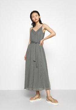 Club Monaco - PLEATED V NECK DRESS - Cocktailkleid/festliches Kleid - castor grey