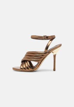 MICHAEL Michael Kors - ROYCE - Sandaalit nilkkaremmillä - dark bronze