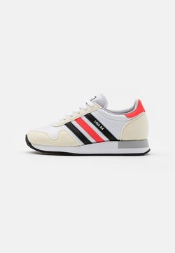 adidas Originals - USA 84 CLASSIC RUNNING SPORTS INSPIRED SHOES UNISEX - Sneaker low - footwear white/core black/solar red