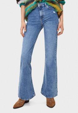 Bershka - MIT SCHLAG - Flared Jeans - blue denim