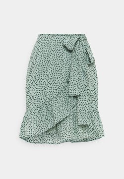 ONLY - ONLOLIVIA WRAP SKIRT - Jupe portefeuille - chinois green