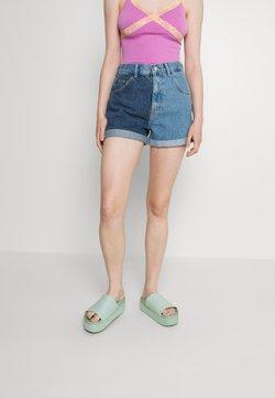 BDG Urban Outfitters - TWO TONE MOM - Short en jean - blue