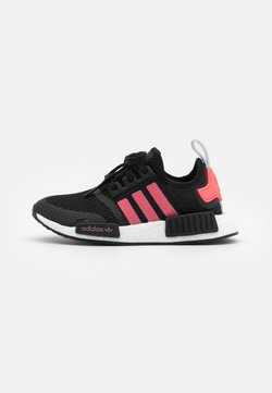 adidas Originals - NMD_R1 BOOST SPORTS INSPIRED SHOES UNISEX - Sneaker low - core black/signal pink/footwear white
