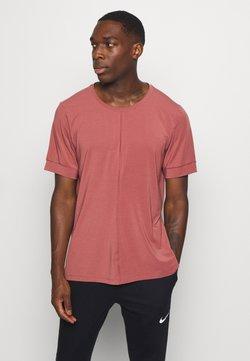 Nike Performance - DRY YOGA - Camiseta básica - claystone red/black