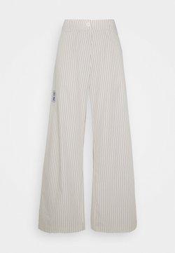 Han Kjøbenhavn - Pantaloni - beige
