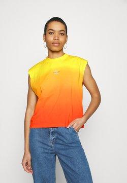 Calvin Klein Jeans - DIP DYE MUSCLE TEE - Top - yellow
