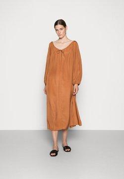WERA - WERA DRESS QUEEN - Maxikleid - mocha bisque