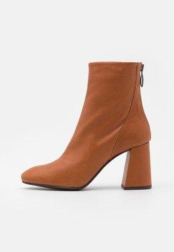 Vero Moda - VMCILLA BOOT - High Heel Stiefelette - cognac