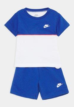 Nike Sportswear - COLOR BLOCKED SET UNISEX - Trainingspak - game royal