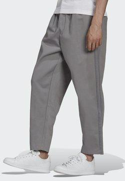 adidas Originals - TREFOIL  - Trousers - grey