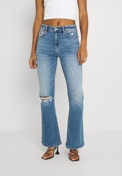 American Eagle - SUPER HIGH RISE - Jeans a zampa - cool hand blue