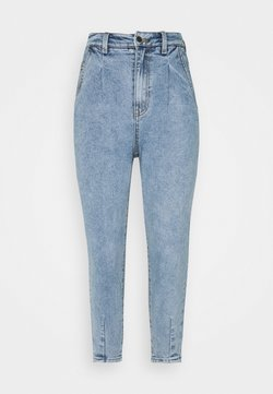 Object Petite - OBJROXANE ANKLE - Relaxed fit jeans - light blue denim